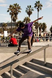 Handrail skater