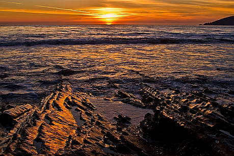 Sunset at the tide pools of Shell Beach